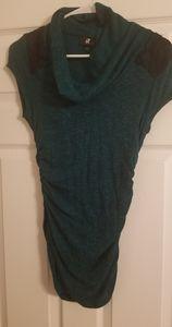 Green short sleeve sweater